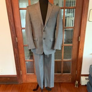 Chaps Men's Gray Suit Like New